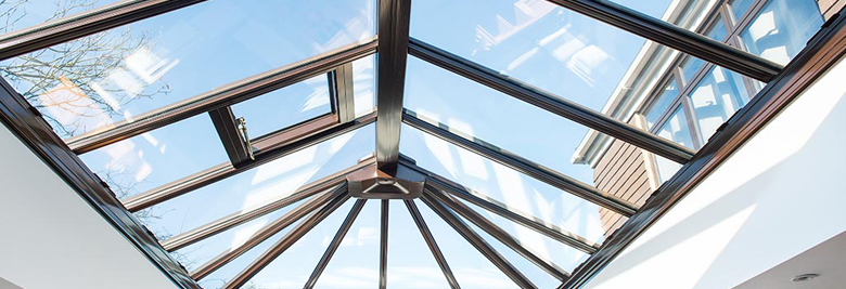 Dakbedekking veranda: hoogrendementsglas en gelaagd glas